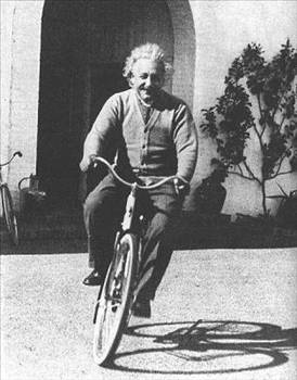 10 Golden Life Lessons From Albert Einstein Quotes And