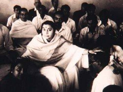 Shri Mataji Giving Self Realization in India